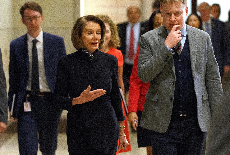 Dân biểu đảng Dân Chủ, bà Nancy Pelosi đến dự một cuộc họp kín của Ủy ban Tình báo Hạ Viện về cái chết của nhà báo Jamal Khashoggi, ngày 13/12/2018.
