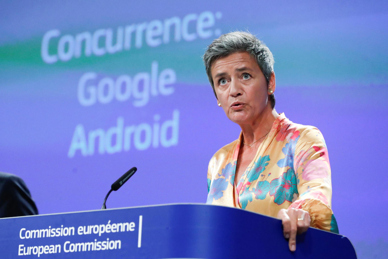 """""""Google utilizó prácticas ilegales para cimentar su posición dominante en la búsqueda en internet"""", explicó en rueda de prensa la comisaria europea de Competencia, Margrethe Vestager."""