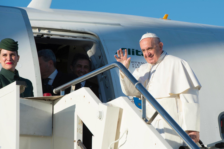 پاپ فرانسیس، رهبر کاتولیکهای جهان، به سوئد سفر کرد تا در مراسم پانصدمین سال اصلاح دینی توسط مارتین لوتر شرکت کند.