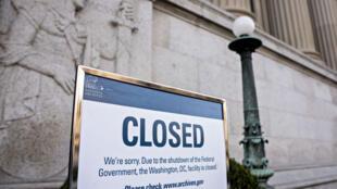 Une des conséquences du shutdown aux Etats-Unis, la fermeture des Archives nationales. Photo prise, le 27 décembre 2018, à Washington.