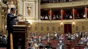 French politicians clashed in the Senate on Thursday over whether to let non-EU immigrants vote in local elections