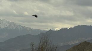 Chiến đấu cơ Ấn Độ trên không phận vùng Ladakh có tranh chấp biên giới với Trung Quốc ngày 24/06/2020.
