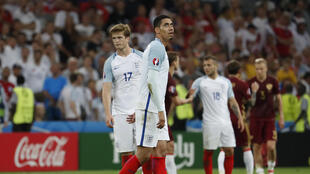 Ingleses saíram decepcionados  com o empate em 1 a 1 com a Rússia em sua estreia na Eurocopa.
