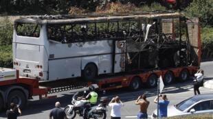 Вывоз автобуса из аэропорта города Бургас, 19 июля, 2012
