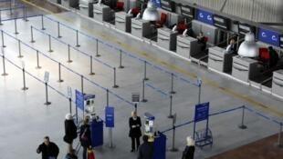 Greve de controladores aéreos deve atrapalhar tráfego aéreo na França.