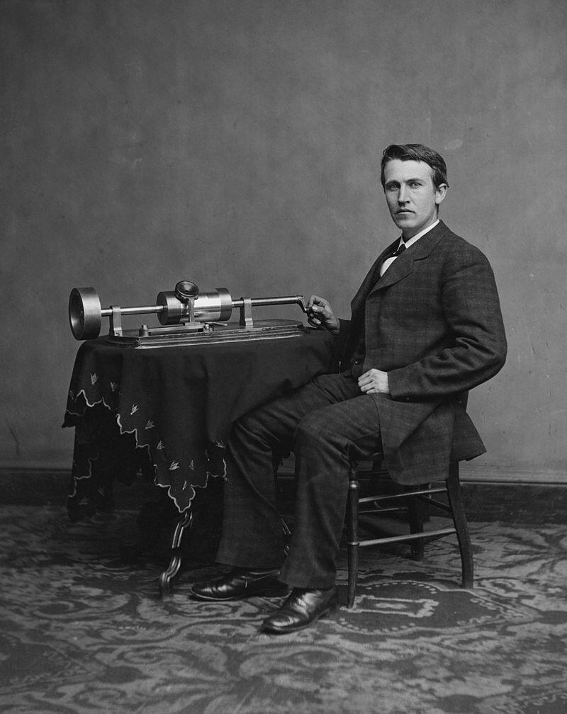 ادیسون و دستگاه ضبط صدا یا فونوگراف، در سال ١٨٧٨