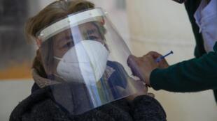 Il n'y a aucune raison de ne pas vacciner avec AstraZeneca, affirme l'Organisation mondiale de la santé (OMS).