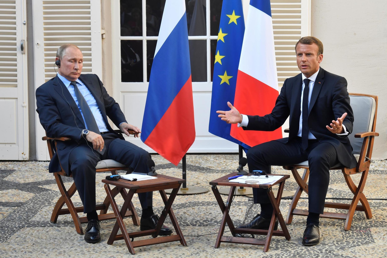 Владимир Путин и Эмманюэль Макрон в летней резиденции президента Франции форт Брегансон, 19 августа 2019 г.