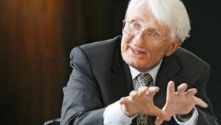 یورگن هابرماس، فیلسوف آلمانی