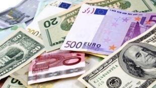 نیروی انتظامی جمهوری اسلامی ٣٦۰ میلیون دلار و یورو را به عنوان قاچاق ارز ضبط کرده است