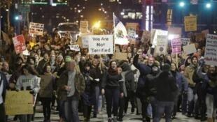 抗議特朗普入境禁令的示威者
