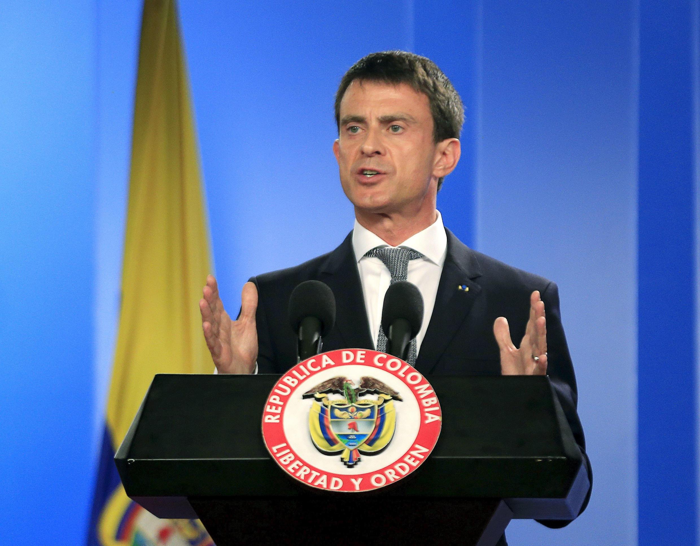 O primeiro-ministro francês Manuel Valls anunciou em Bogotá a sua volta imediata a Paris