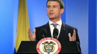 El primer ministro francés Manuel Valls, en Bogotá durante una conferencia con el presidente de Colombia, Juan Manuel Santos, el 25 de junio de 2015 en Bogotá.