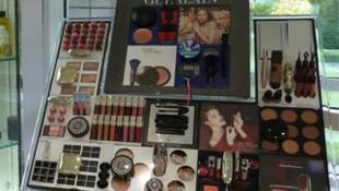 化妆品的先驱——法国品牌娇兰。
