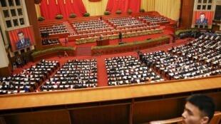 L'Assemblée nationale populaire, silencieuse au moment d'écouter le Premier ministre Li Keqiang, samedi 5 mars 2016 pour l'ouverture de la session annuelle.