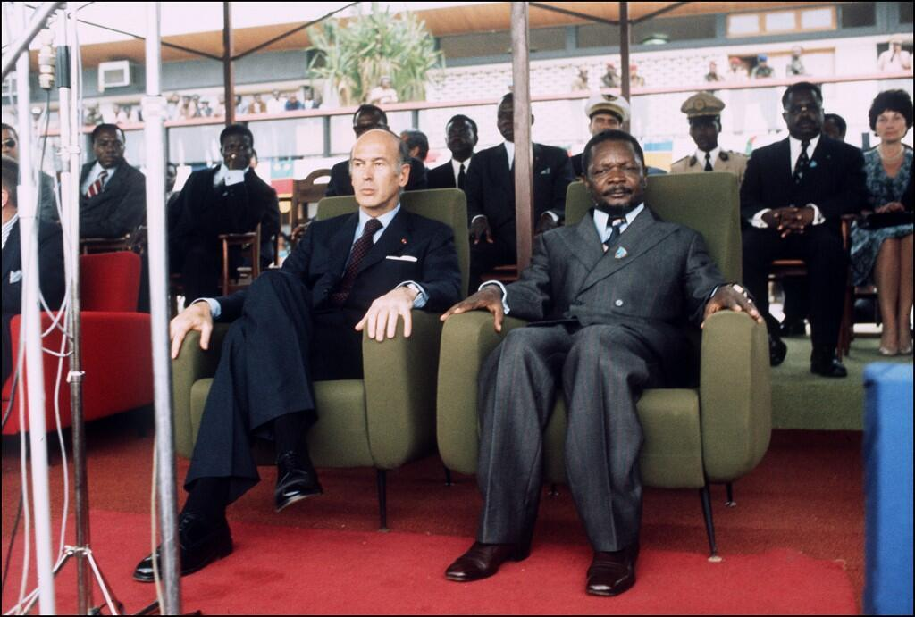 French President Valéry Giscard d'Estaing (L) and President of the Central African Republic Jean-Bedel Bokassa (R) attend a ceremony on March 5, 1975 in Bangui, during an official visit.