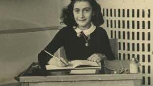 Anne Frank, na escola que frequentava em Amsterdã, em 1940