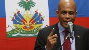 Michel Martelly a proposé mardi 14 décembre d'organiser «un seul tour sous la supervision des organisations internationales» le 16 janvier, date prévue pour le second tour.