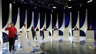 O segundo debate na TV entre sete candidatos a presidente no Brasil aconteceu na noite de segunda-feira (1)