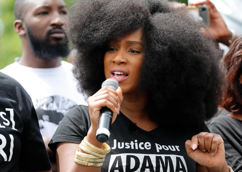 La activista antirracista y contra la violencia policiaca, Assa Traoré el 13 de junio en París.