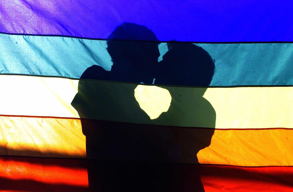 Le Monde удалось встретиться с несколькими геями, подвергшимися преследованиям в Чечне.