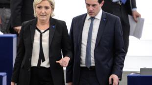 Marine Le Pen (à gauche) et Nicolas Bay (à droite).