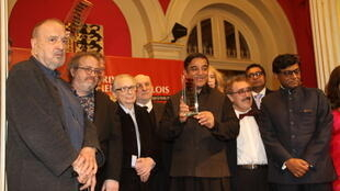 Indian film director Kamal Hasaan receives his 'Prix Henri Langlois' award.