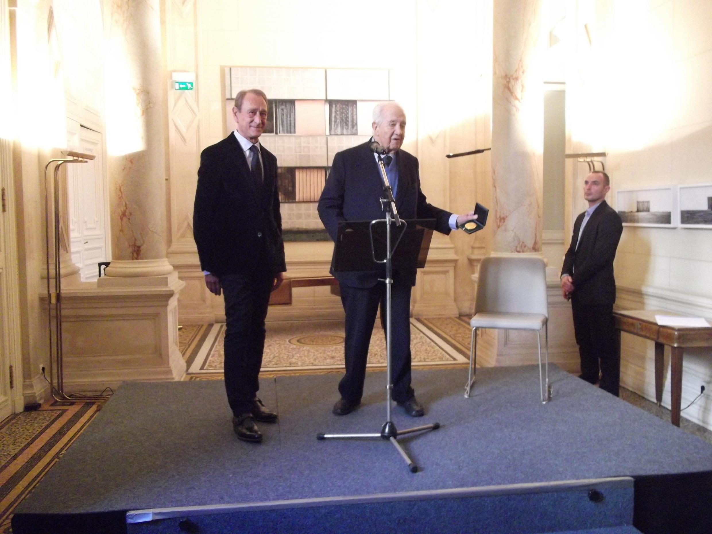 Homenagem a Mário Soares, em Paris, a 13 de Novembro de 2013, pelo ex-Presidente da Câmara de Paris, Bertrand Delanoë