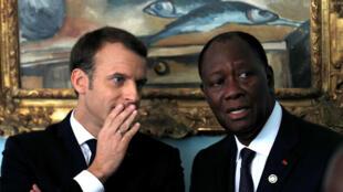 Lors d'une rencontre en tête à tête entre les chefs d'Etat français, Emmanuel Macron, et ivoirien, Alassane Ouattara, il a été décidé de créer un centre d'excellence pour la formation des forces anti-terroristes, Abidjan, le 30 novembre 2017.