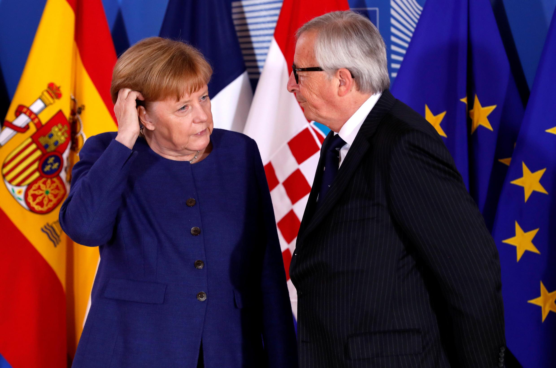 A chanceler alemã Angela Merkel chega ao encontro, em Bruxelas da UE sobre imigração, enfraquecida em razão de sua política migratória e reunião pode dar armas para seus inimigos para tentar derruba-la.