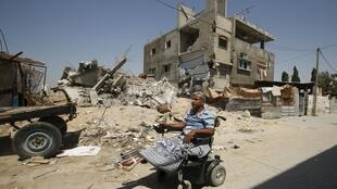 Las calles de Gaza siguen siendo testigos de la destrucción, un año después de la guerra. REUTERS/Suhaib Salem.