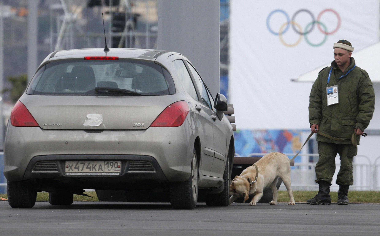 Càng gần đến ngày khai mạc Thế vận hội mùa đông 2014 kiểm tra an ninh càng thắt chặt tại Sotchi.