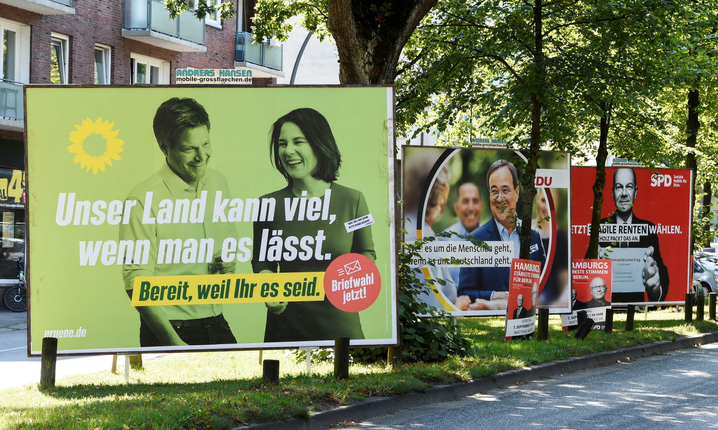 2021-09-02T140028Z_2011094036_RC2QHP9FUAAR_RTRMADP_3_GERMANY-ELECTION-SNAPSHOT