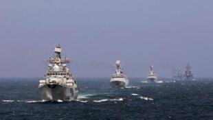 Trung Quốc tập trận với Nga tại biển Hoa Đông, tháng 5/2014.