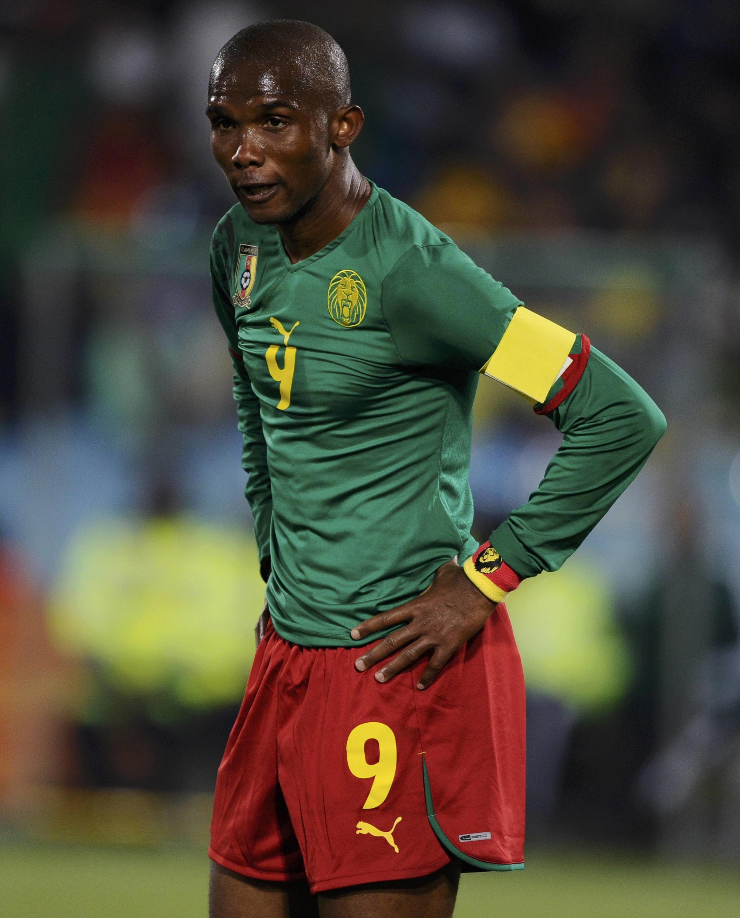 Toute la déception de Samuel Eto'o. Le Cameroun est éliminé du Mondial 2010.