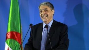 Ali Benflis lors d'une conférence de presse à Alger, mardi 15 avril 2014.