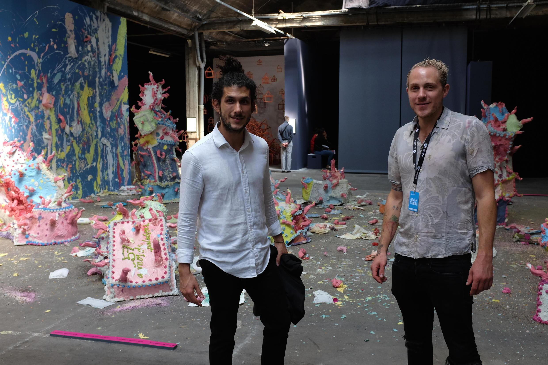 José Capaz et Uri Bleier du collectif Stainless dans l'exposition « Ola Cuba ! » à Lille.
