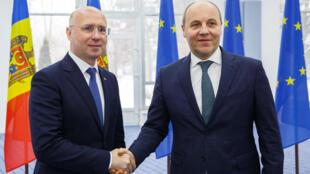 Премьер-министр Молдовы Павел Филип и председатель Верховной рады Украины Андрей Парубий, 2 марта 2018.