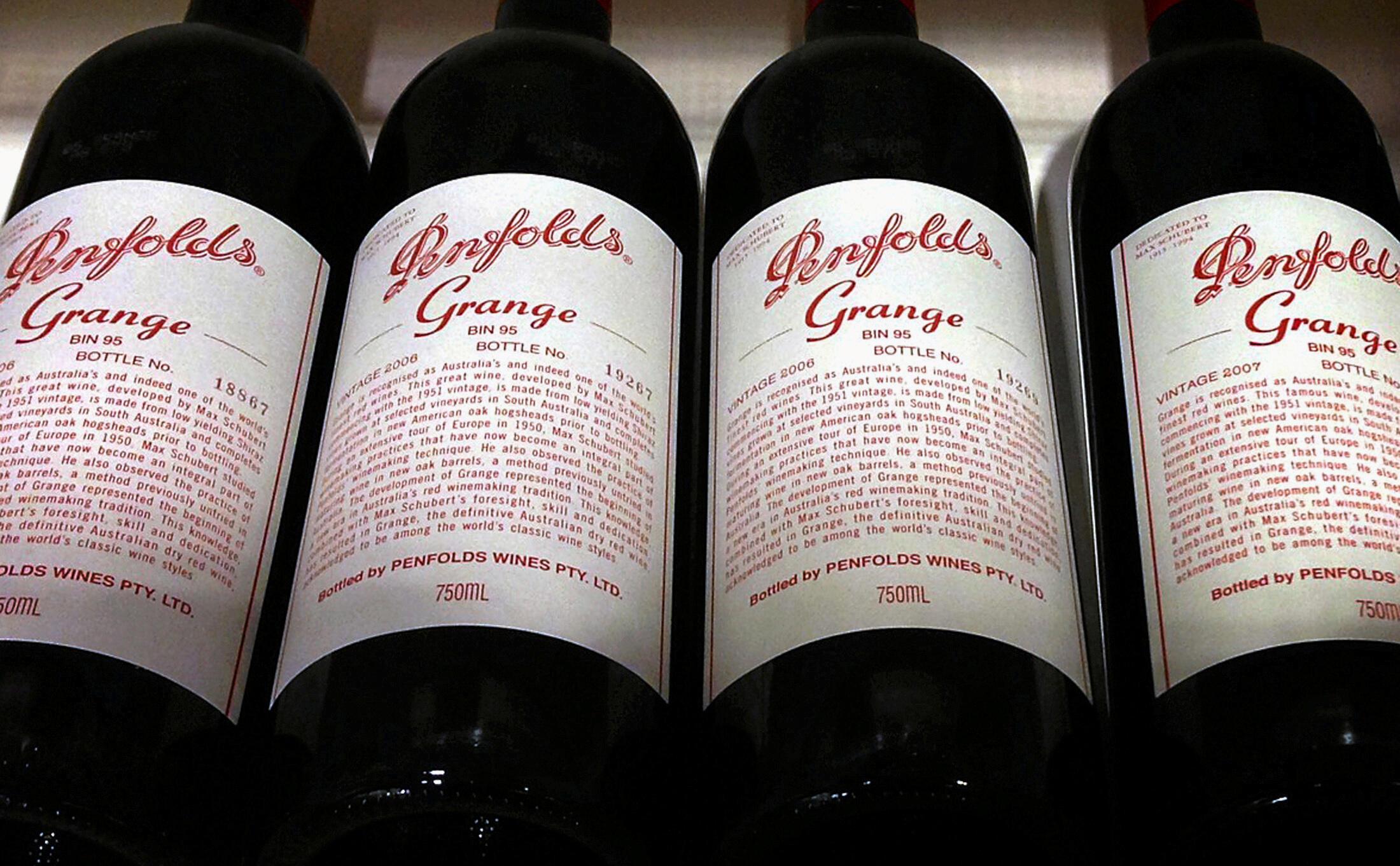 Des bouteilles de Penfolds Grange, un vin d'Australie, photographiées dans un magasin spécialisé à Sydney, le 4 août 2014.