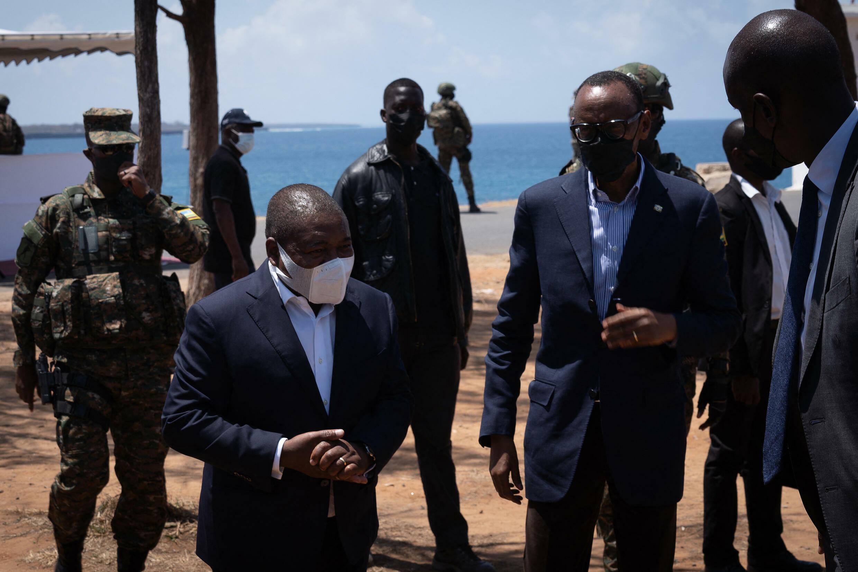 Presidente moçambicano Filipe Nyusi e Presidente do Ruanda Paula Kagame.