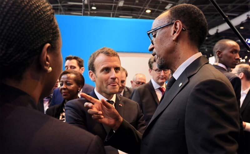 O  Presidente francês Emmanuel Macron (esquerda ) e o seu homólogo ruandês Paul Kagame no  forum  tecnológico  Viva  Tech  em  ParisK.  24 de Maio  de 2018