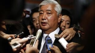 Bộ trưởng Quốc phòng Nhật Gen Nakatani cảnh báo nguy cơ Trung Quốc xây dựng giàn khoan ngoài khơi - REUTERS /Thomas Peter