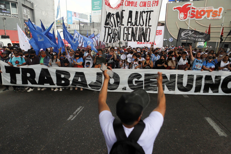2021-10-14T181708Z_1596046147_RC2Q9Q9M7IIP_RTRMADP_3_ARGENTINA-PROTESTS