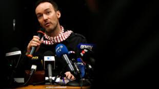 Йоанн Барберо выступил на пресс-конференции в Нанте, 10 ноября 2017.