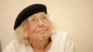 El poeta nicaragüense Ernesto Cardenal cumple este lunes 95 años con buena salud e inmerso en la creación de nuevos poemas