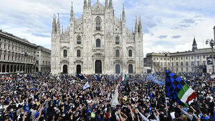Thousands of Inter Milan fans gathered in the city centre to celebrate the team's first title in more than a decade.