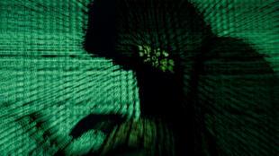 Un hacker qui a piraté les données fiscales de près de 5 millions de Bulgares a qualifié la sécurité informatique du gouvernement de «parodie».