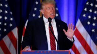 O candidato republicano à presidência dos Estados Unidos, Donald Trump, durante discurso na Universidade Estadual de Youngstown, em Ohio, nesta segunda-feira (15).