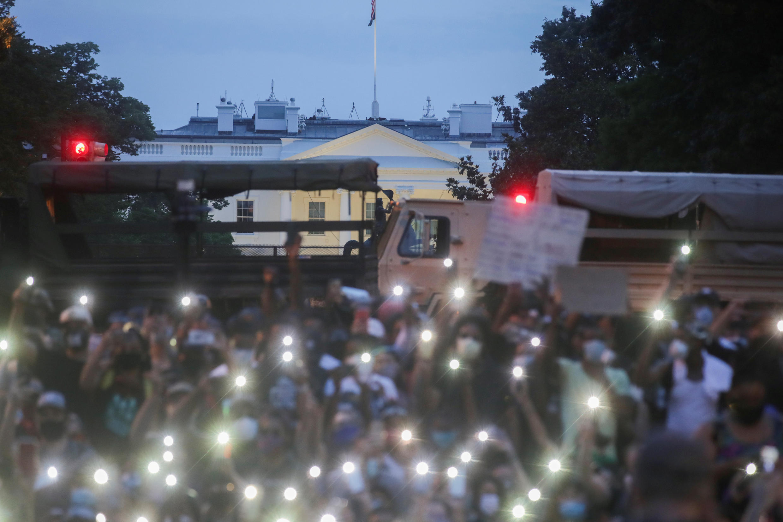 2020-06-04T043116Z_2039407470_RC212H924PAI_RTRMADP_3_MINNEAPOLIS-POLICE-PROTESTS-WASHINGTON