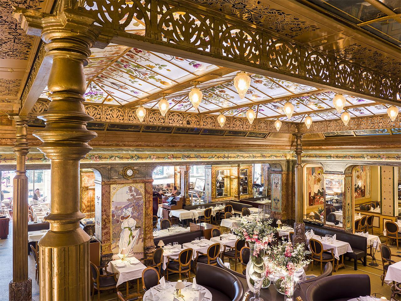 Исторические рестораны Парижа. Ресторан Mollard неподалеку от вокзала Сен-Лазар.